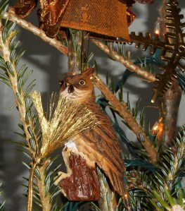This owl reminds us of the owls living in our forest.