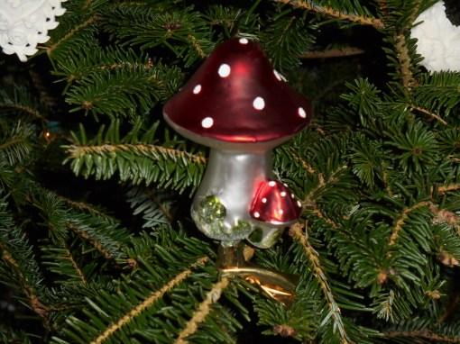 December 22, 2014 Christmas tree 032