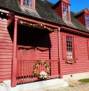 A Colonial Williamsburg structure decorated for Christmas