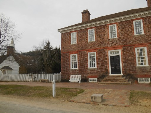 George Wythe's home, with the Bruton Parish steeple visible across the garden.