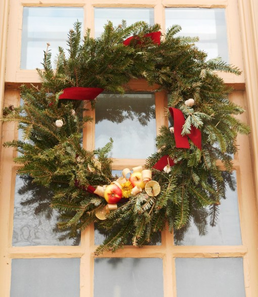 december-23-2016-cw-wreathes-012